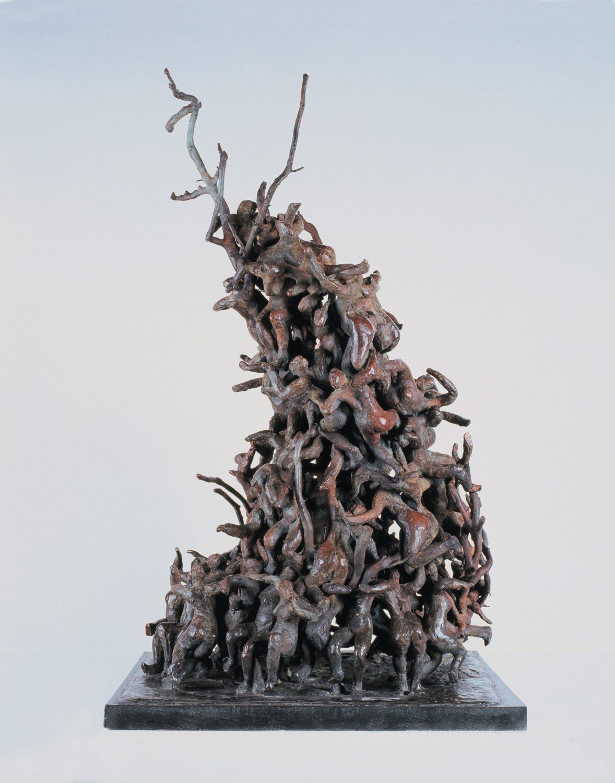 mêlée rugby masse bronze sculpture nature arbre personnages