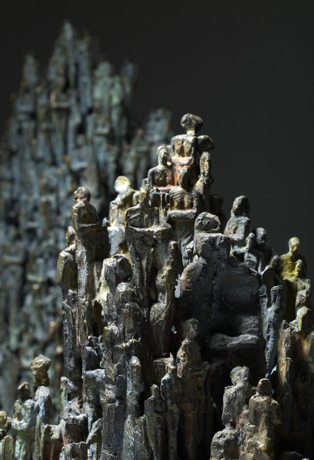 strates stalactite socle bronze sculpture art peuple humanité