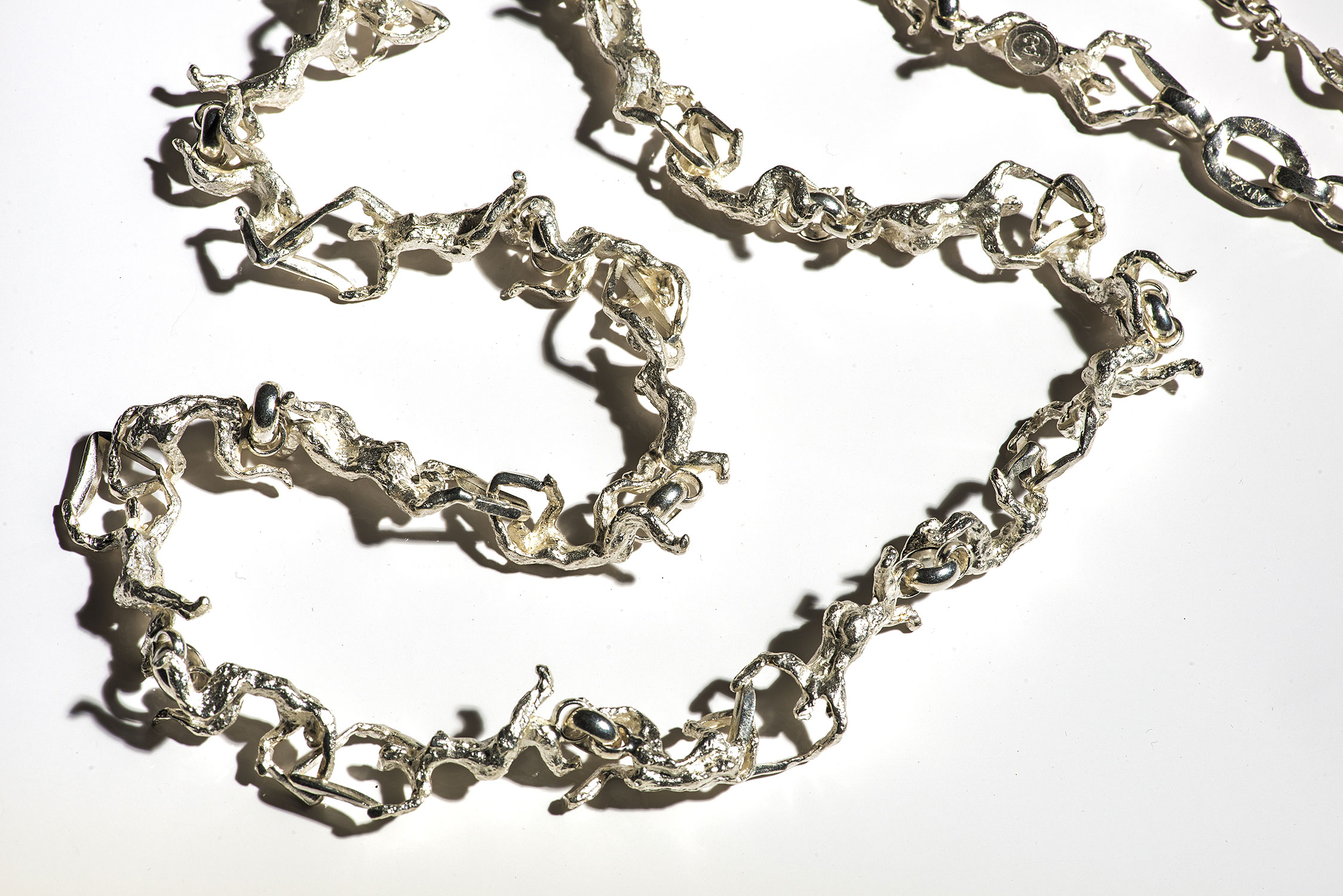 Collier Argent Relief
